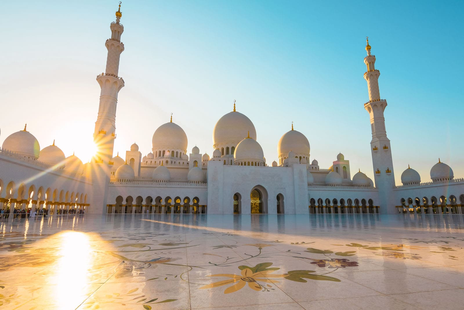 The sun rays peaking through the Sheikh Zayed Grand Mosque Abu Dhabi 2