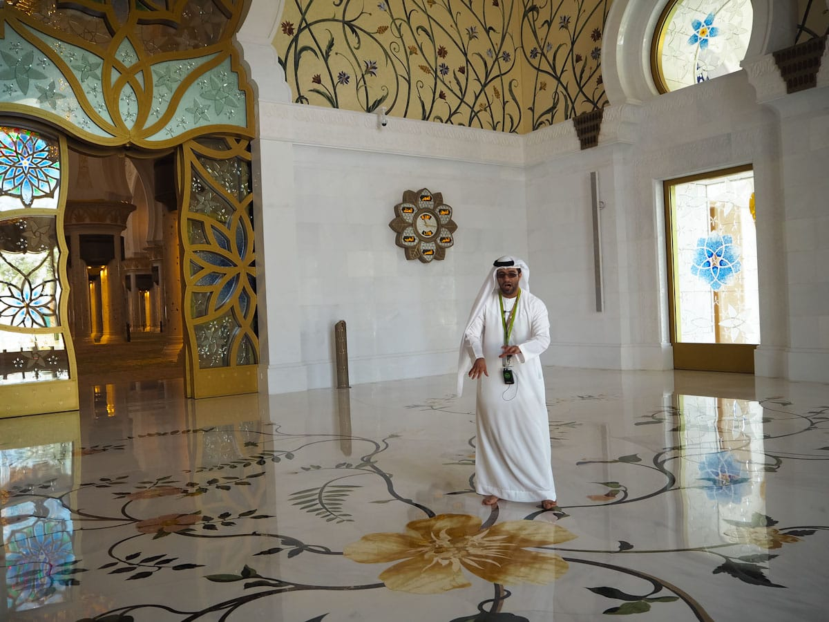 Free tour at the Sheikh Zayed Grand Mosque The Travel Escape
