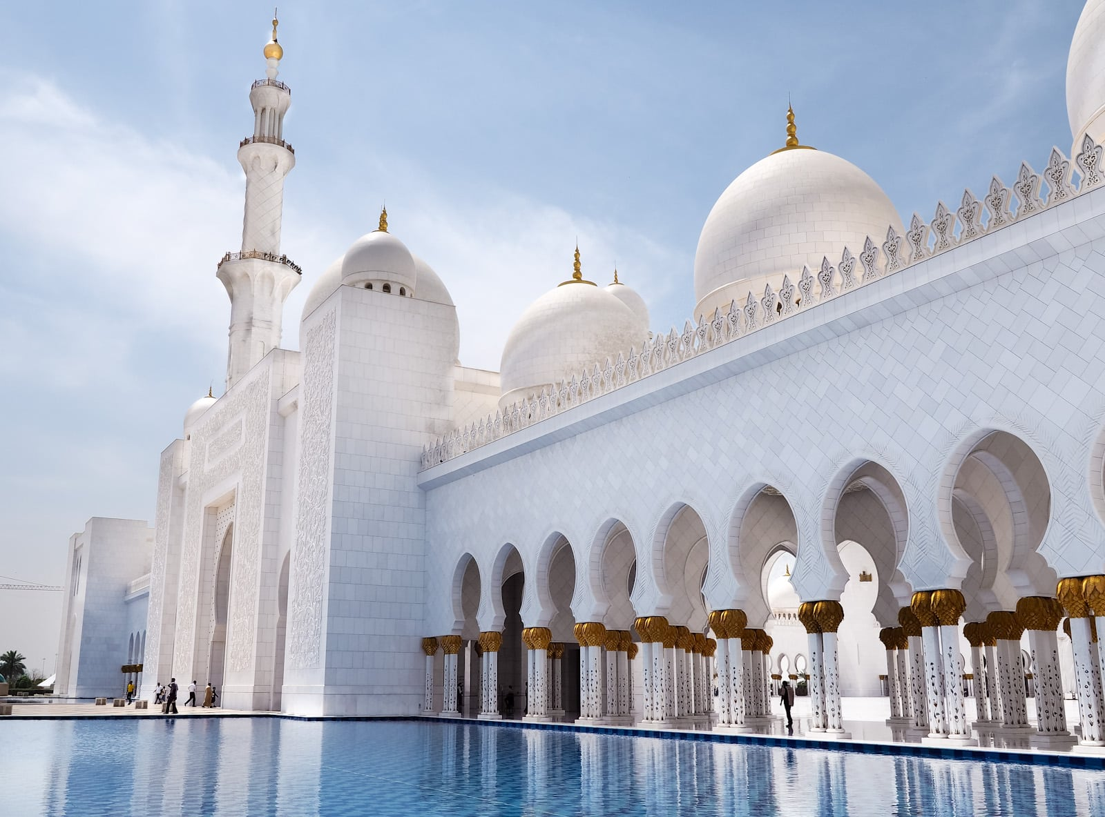 Reflections at Abu Dhabi Sheikh Zayed Grand Mosque The Travel Escape Blog