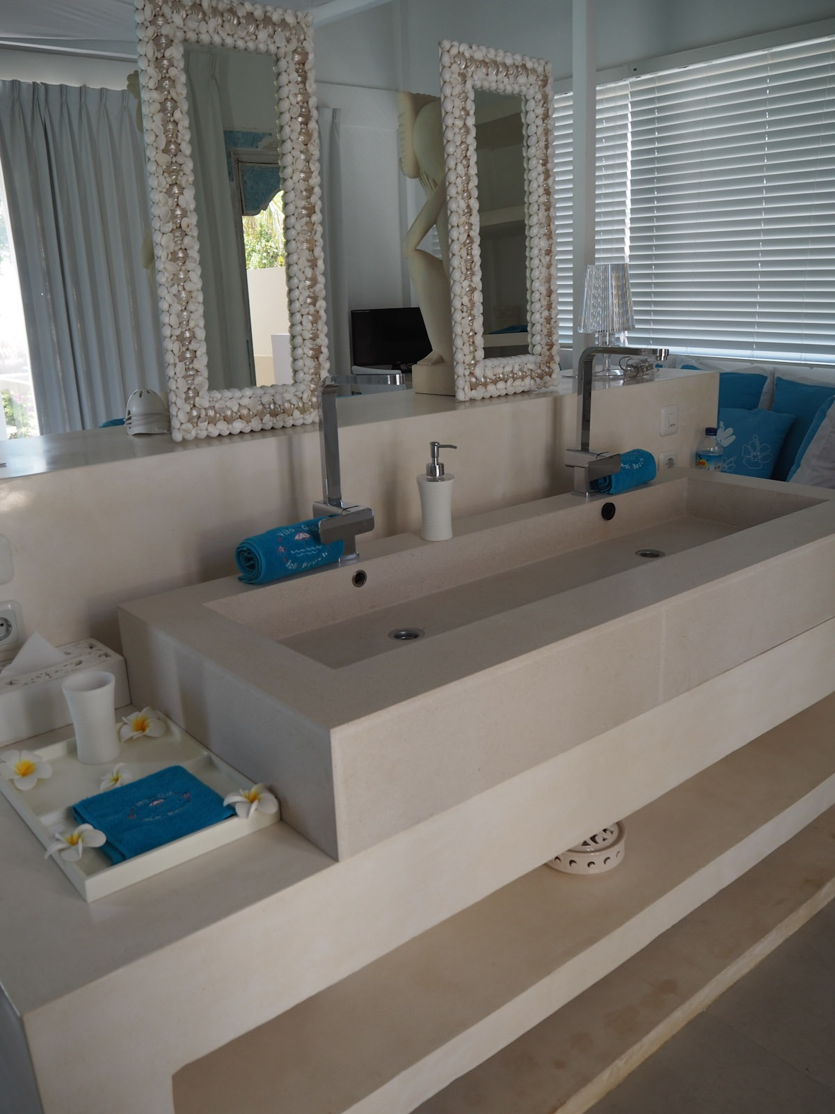 Sink in the bedroom at Villa Gili Bali Beach - Gili Trawangan Bali