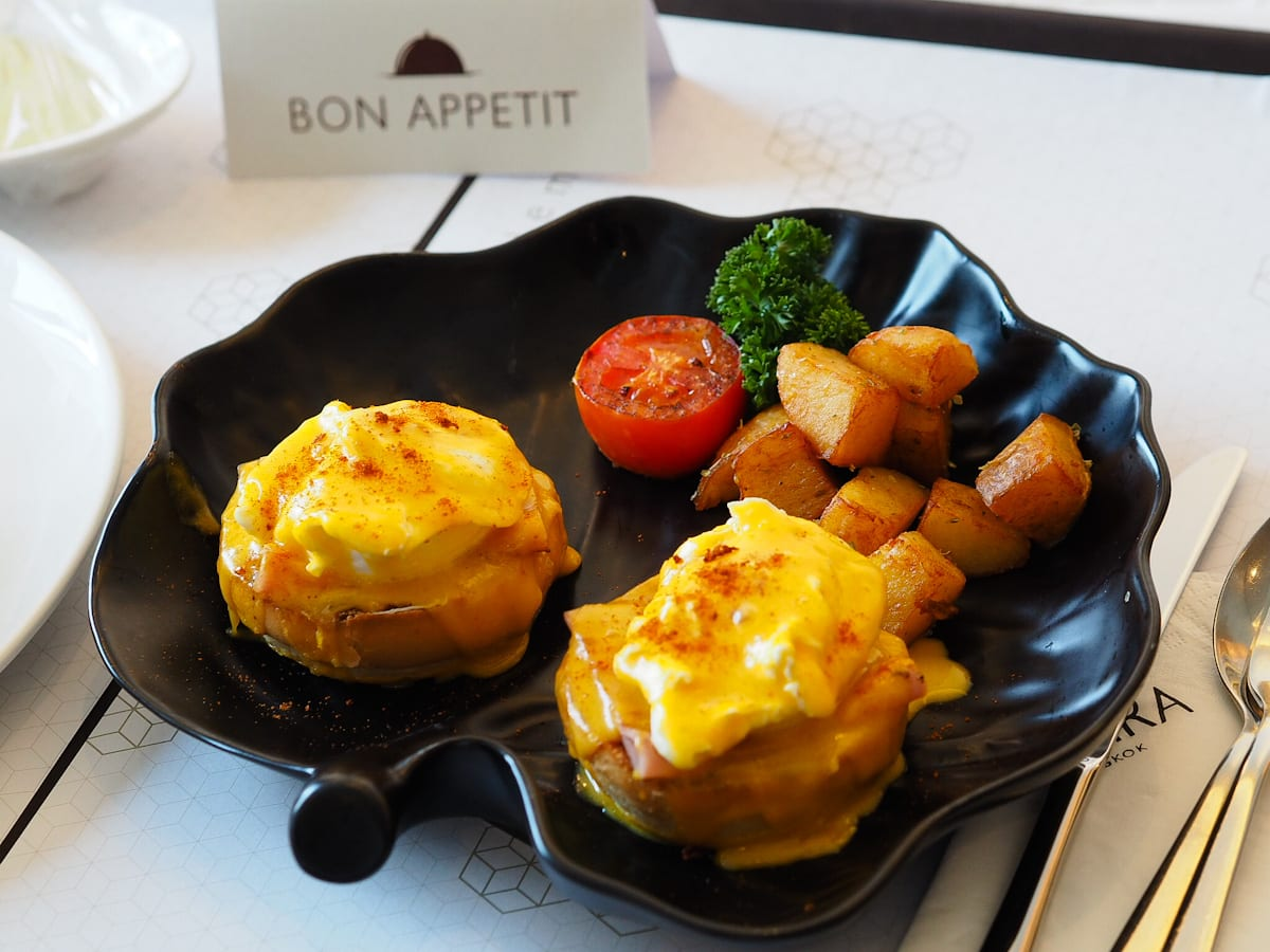 Eggs Benedict at the Amara Bangkok